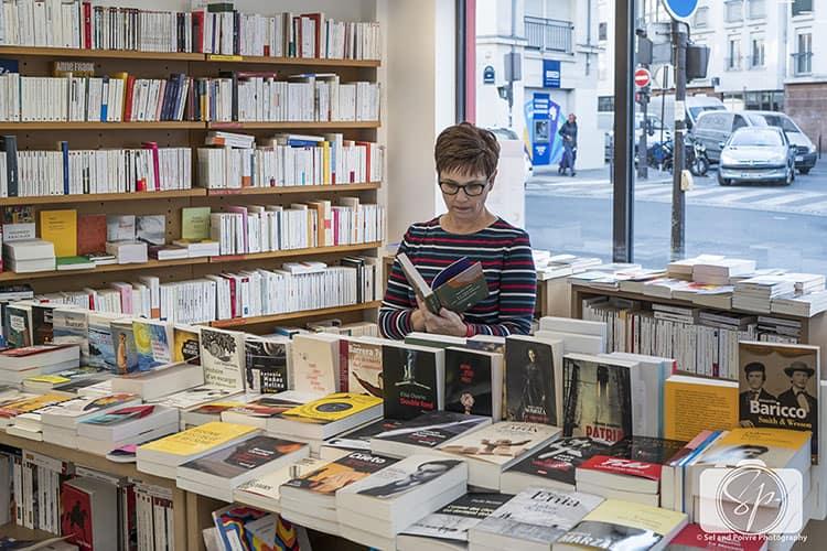 Andi in Paris Bookstore_Francophile Library Winter Edition