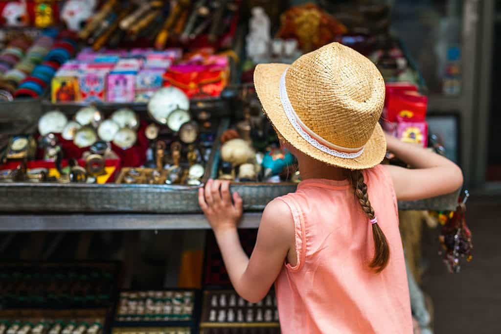 How to Marie Kondo Your Travel - Shopping