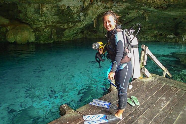 Traveler-Tuesday-Mo-of-Travelust-101_Cenote-dive