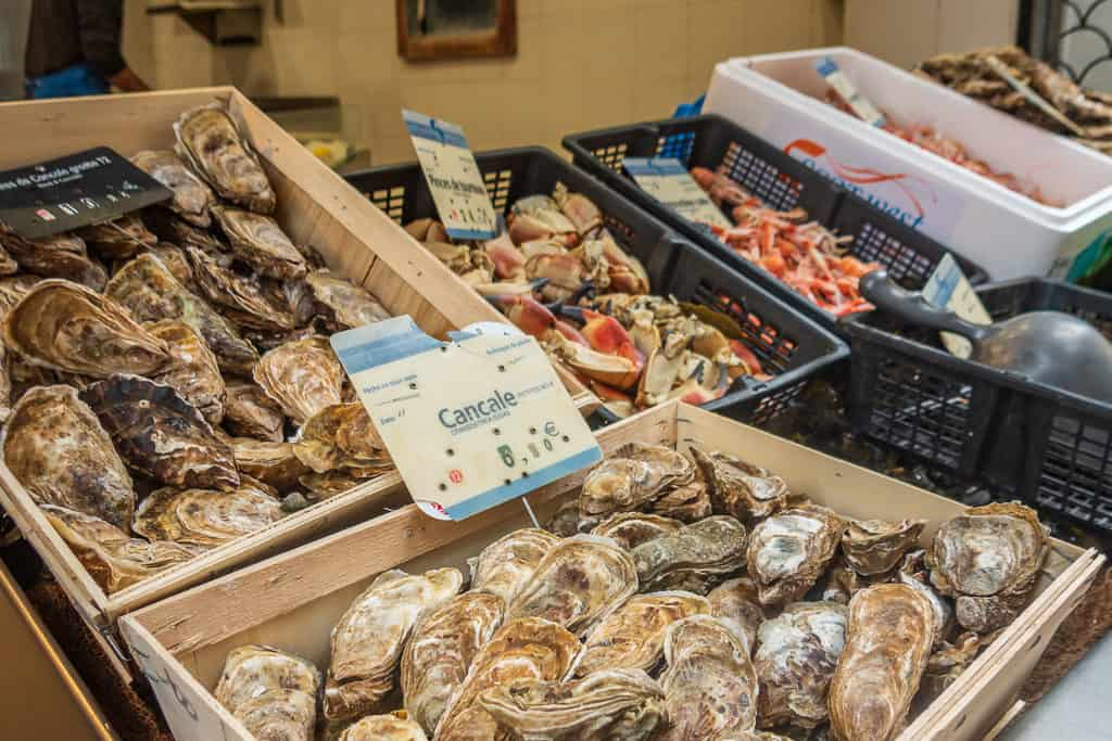Cancale Oysters being sold in Saint-Malo France