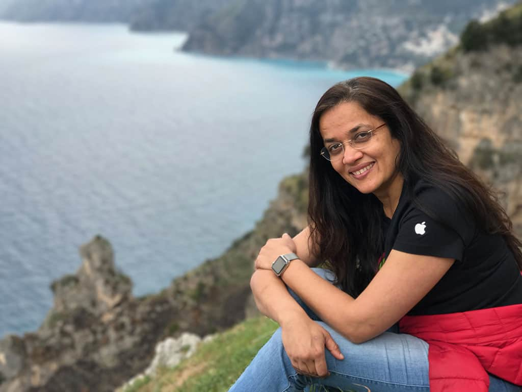 Traveler Tuesday – Jyoti of Story At Every Corner_Jyoti on Hike of the Gods on the Amalfi coast