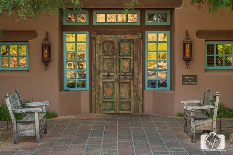 Front Entrance of La Hermosa Inn Phoenix Scottsdale Arizona_hero