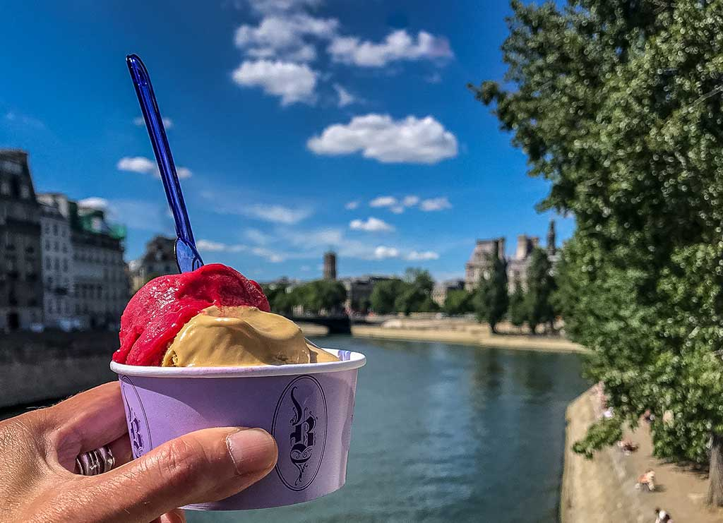 9-Ideal-Picnic-Places-in-Paris_Berthillon-Ice-Cream