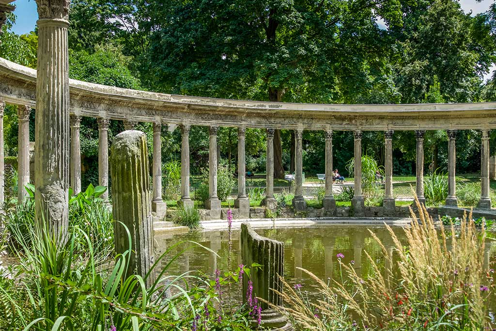 9-Ideal-Picnic-Places-in-Paris_Parc-Monceau