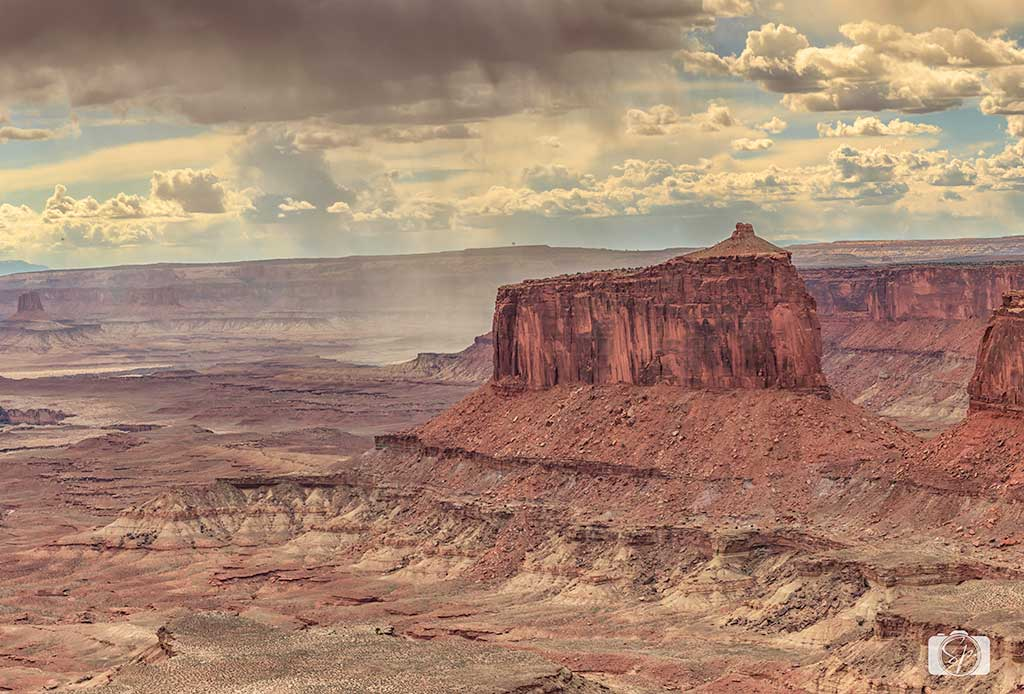 Dust-Storm-at-Canyonland-National-Park-Utah-USA