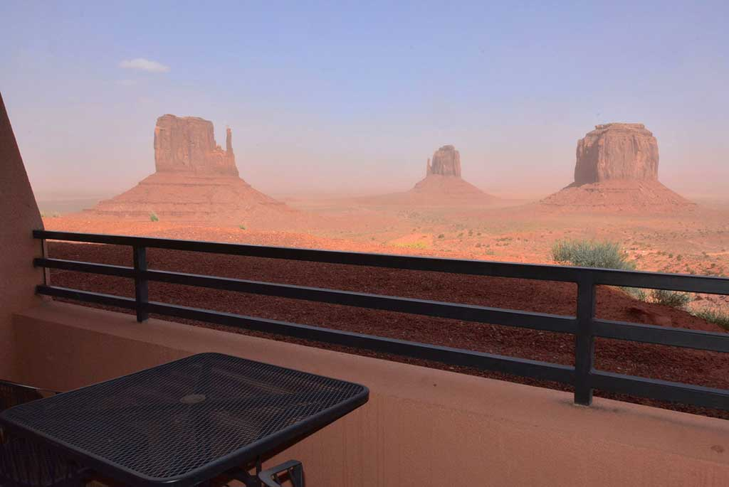 View-from-The-View-Hotel-Monument-Valley-USA