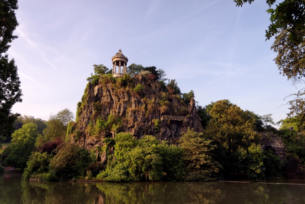 Temple de la Sybille Buttes-Chaumont Paris