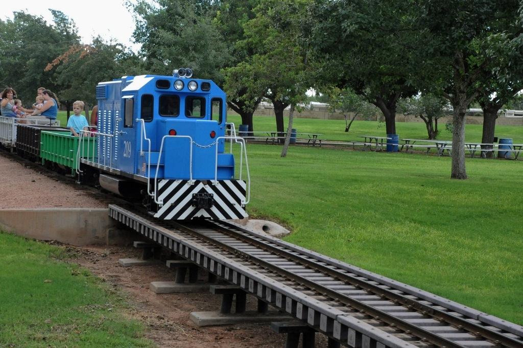 Train at  McCormick-Stillman Railroad Park