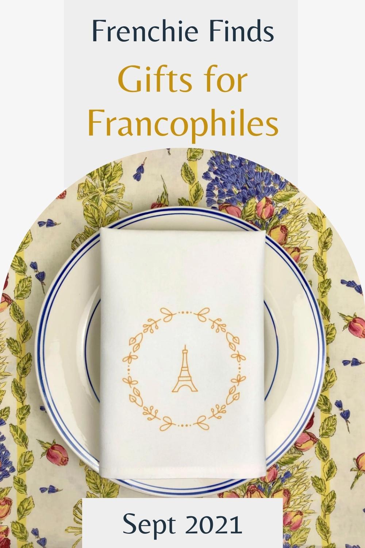 eiffel tower napkin on a plate